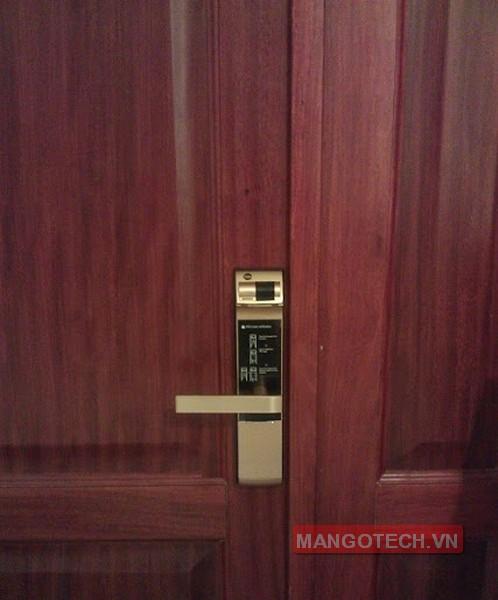 khoa-van-tay-yale-4109-gold-09