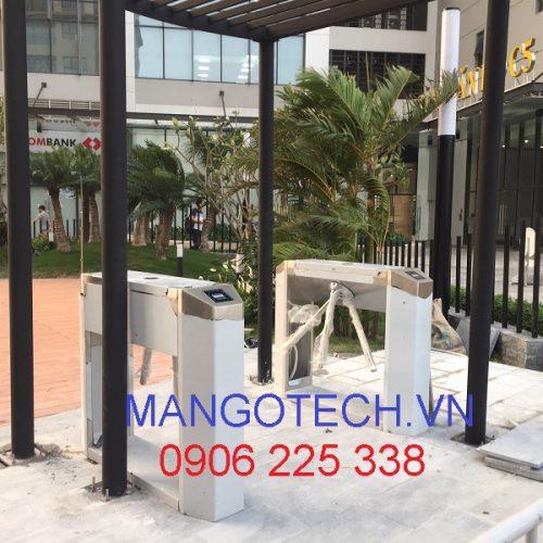 Lắp đặt cổng xoay ba càng ZKTeco TS2000 cho bể bơi tại D'Capitale Trần Duy Hưng